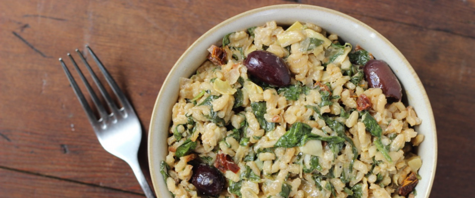 Risotto with Sun-dried Tomato, Artichokes, Spinach and Olives (V)