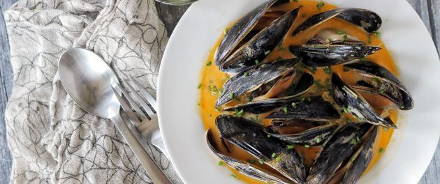 Mussels In Red Curry Broth - Real Plans